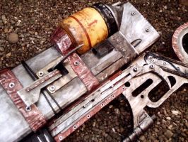 AER14 - Prototype Laser Rifle - Detail View by JayCosplay