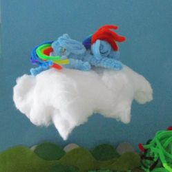 Pipe Cleaner Sleeping Rainbow Dash Animation by Malte279