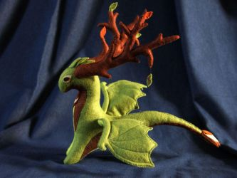 Oliver Forestwind dragon plush by hontor