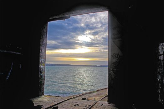 4288 Window on the ocean by RealMantis
