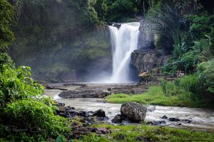 .:Tegenungan Waterfall:. by RHCheng