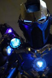 Cosplay Iron Sub-Zero by CosplayQuest
