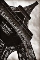 Paris, Eiffeltower by Finvara