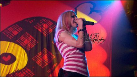 Avril Lavigne in Concert 3 by lilith77