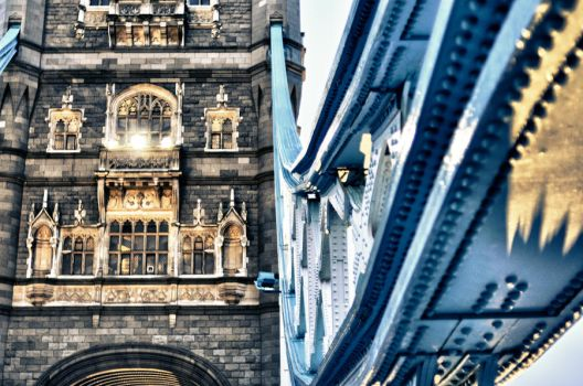 a view of Tower Bridge by g0nnella