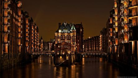 Warehouse District Hamburg by pingallery