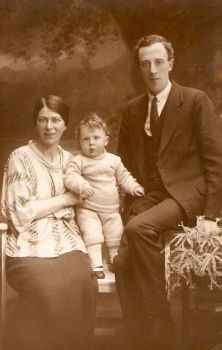 Family Semmens, 1922 by Forefathers