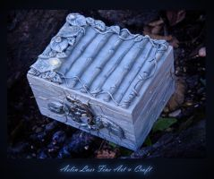 Silver Forest box by Gwillieth