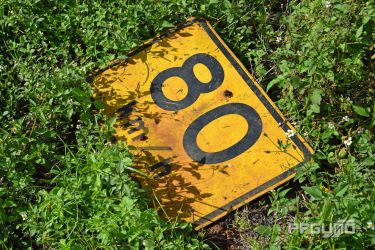 Yellow 80km Sign by pfgun0