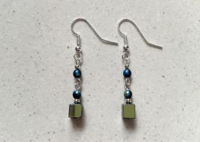 black glass and silver pearl earrings by syn-O-nyms