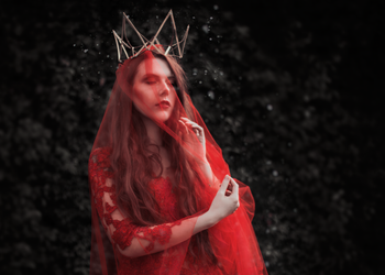 Red queen by akne5