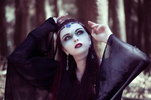 witch of the grove by misspoisoncandy