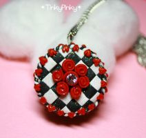 Queen of hearts cake pendant by tinkypinky