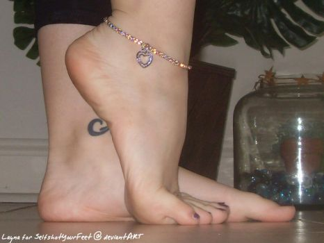 Heart Anklet n Delicious Feet by SelfshotYourFeet