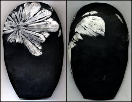 Chrysanthemum stone by Talec