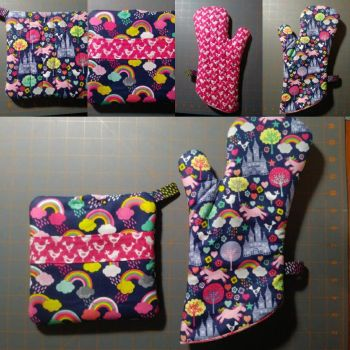 Unicorn Fantasy Oven Mitt and Hot Pad Set by MechanicalApple