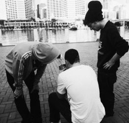 Youngunz at Darling Harbour by Mortel3