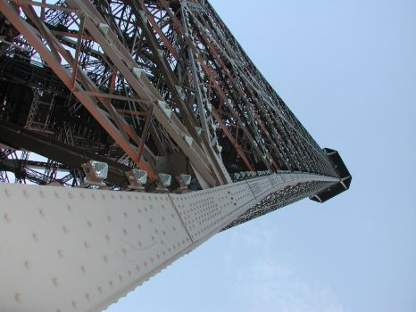 the eiffel tower by shannonsmannequin