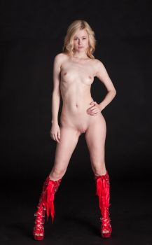 Olivia in red boots by huitphotography