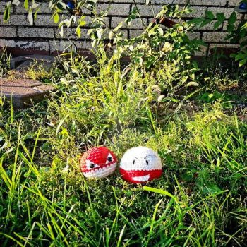 Voltorb and Electrode! by LilDezzi