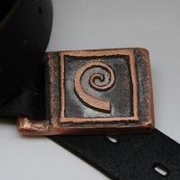 Errant buckle by entanglement
