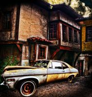 Old House by freatmah