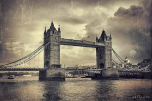 London Tower Bridge by Pajunen
