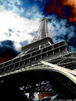 Gloomy Day Under the Eiffel by Excentus