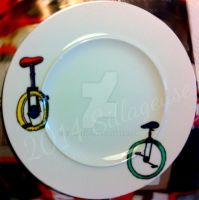 Unicylce (painting on plate) by Sillageuse