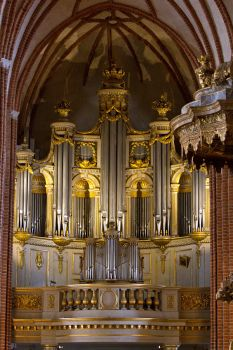 Pipe Organ by parallel-pam