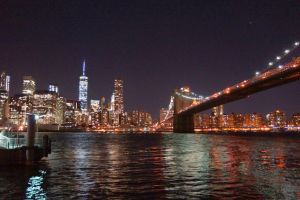 manhattan by night by Mittelfranke