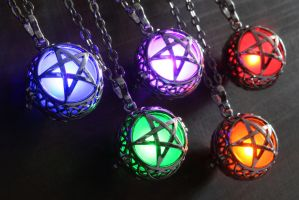 Magical glowing jewelry: Pentagram by CatherinetteRings