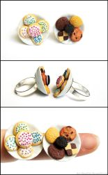Cookie Plate Rings by PepperTreeArt