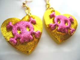 Glitter n Gold skull earrings by pinkminx