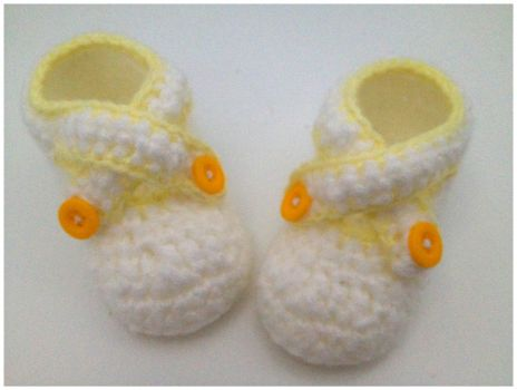 Baby booties by Orlien