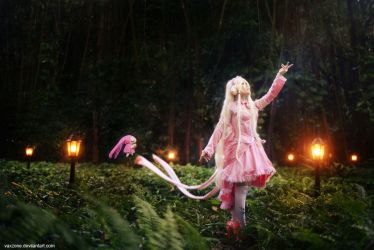 Chobits - The wandering Chii by vaxzone