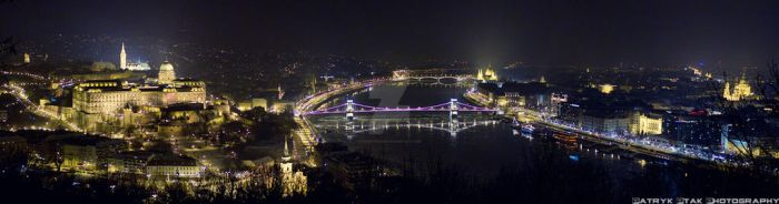 Budapest at Night by PatryckZone