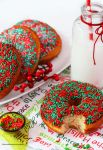 Classic Xmas Baked Donuts by theresahelmer