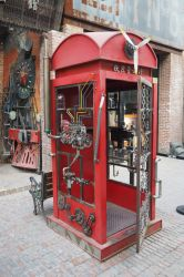 Steampunk telephone booth by jpachl