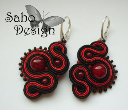 KISS FROM A ROSE - soutache earrings by SamanthaBossy