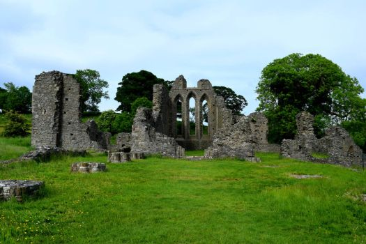 Abbey Ruins by Renartus