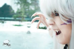 Cosplayshooting: Grrr! Stay away from me! by HoraiCosplay
