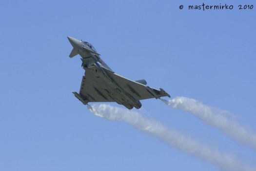 Eurofighter 2000 Typhoon by mastermirko