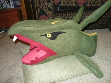 Severed head of RAYQUAZA plush by scilk