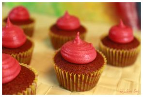 Mini Red Velvets by Nora-Sims