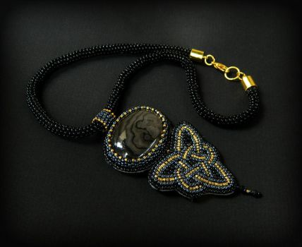 Celtic Queen bead embroidered pendant necklace by YANKA-arts-n-crafts