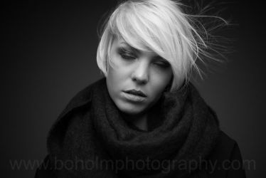 Julie by BoholmPhotography