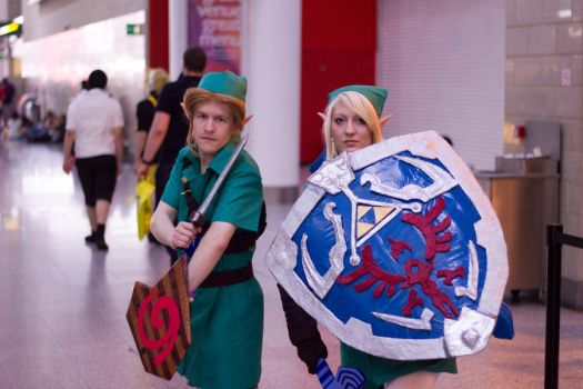 Young Link and Adult Link - MCM London by Kant-Predict