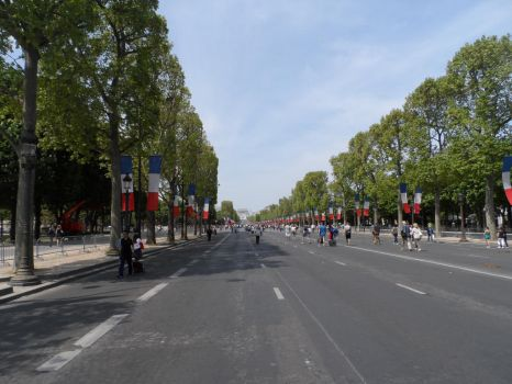 champs elysees paris by Attachboy