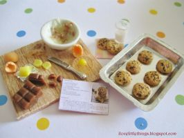Dollhouse Miniature Chocolate Chip Cookies by ilovelittlethings